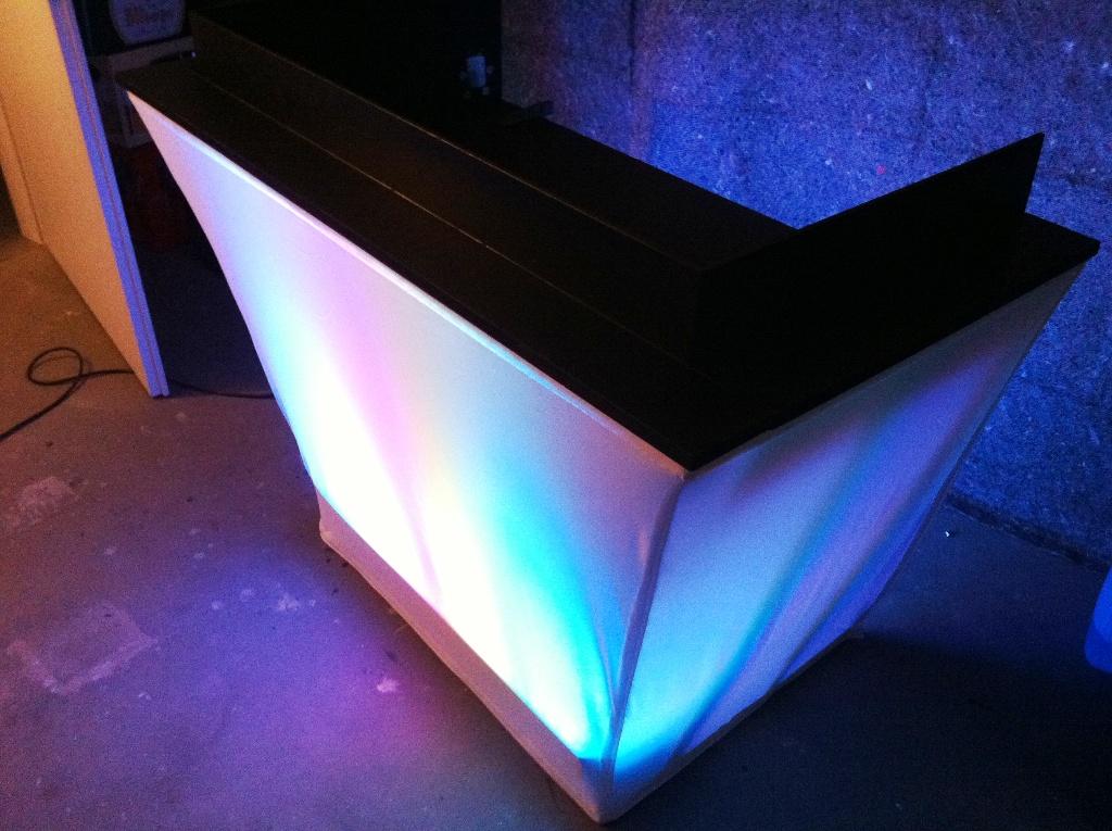 mobiler dj tisch praxis testberichte pa forum. Black Bedroom Furniture Sets. Home Design Ideas